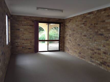 Why Pay For Office Space, Ideal Location, Rent Negotiable Springwood Logan Area Preview
