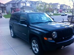 Jeep Patriot for sale leather heated , low km , runs perfectly