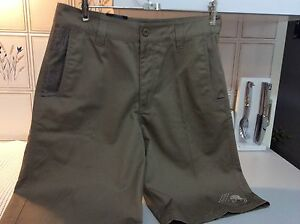 METAL MULISHA NEW SIZE 31 SHORTS Shellharbour Shellharbour Area Preview