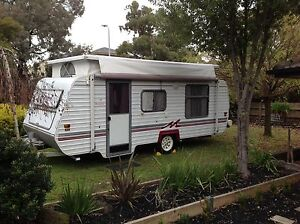 1998 Monarch 18ft PopTop Caravan Double Bed with AirConditioning Wantirna Knox Area Preview