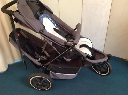 Phil and Ted 3 wheel pram with toddler seat