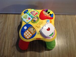 Table d'apprentissage Éveil fisher price