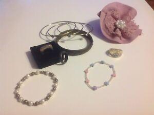 Lot de bijoux le tout pour 5$