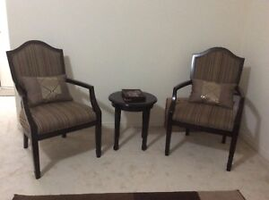 Accent chair set with table