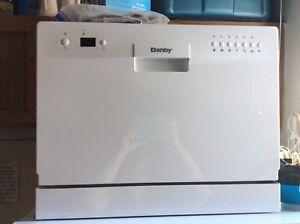Danby Apartment Dishwasher