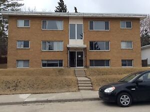 ROOMMATE WANTED - ALL INCLUSIVE!! 5 mins to MRU! Under 25 only