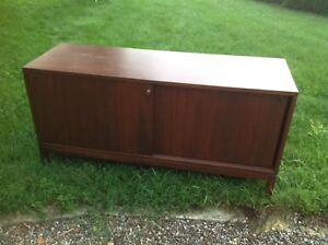 Vintage credenza/cabinet