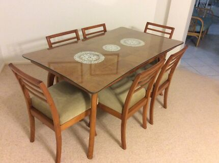 1950s Retro Style Dining Table And Chairs