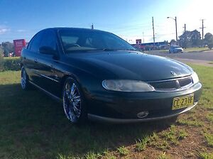 Holden Calais VX2 International 5.7 LS1 fully Optioned Luxrury V8 Woodbine Campbelltown Area Preview