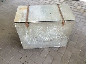 Vintage Metal Ice Chest Box with lid Underdale West Torrens Area Preview