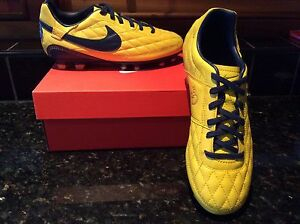 Nike BRAND NEW IN BOX LEATHER football / soccer boots Size US 4.5 Somerton Park Holdfast Bay Preview