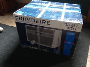 Frigidaire air conditioner 8,000 BTU