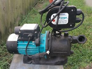 onga pressure pump suit house/tank Banksia Beach Caboolture Area Preview