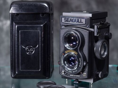 Seagull 4A 105 medium format Twin Lens Reflex Camera with case and lens cap
