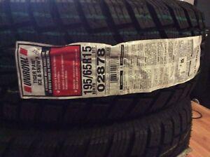 4 pneus d'hiver neuf 195/65R15