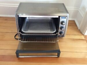 Black and Decker Countertop Convection Oven For Sale  - $35.00