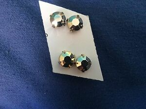Fake gold earrings $2 each Tolland Wagga Wagga City Preview