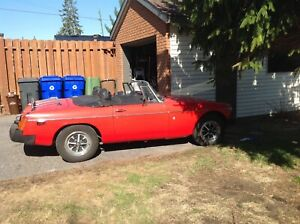 MG B 1977 British convertible red