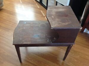 Very solid Wooden vintage table needs painting