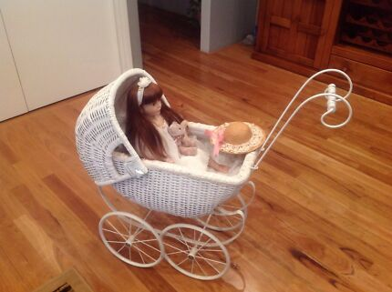 Antique pram , 25 years old Champion Lakes Armadale Area Preview