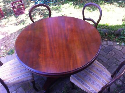 Antique 5 piece dining setting