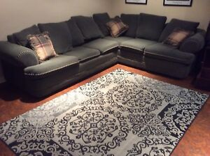 Sectional/pull out couch -great condition- $400 obo