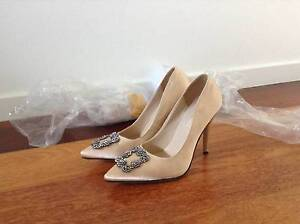 Shoes, Brand NEW Ladies Champagne coloured Satin Heels - Size 7 Sunshine Coast Region Preview