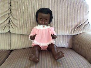 Jolie poupée noire