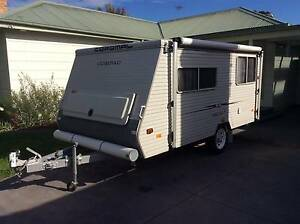 Coromal Compac Elite 402 Poptop Caravan Strathmore Moonee Valley Preview
