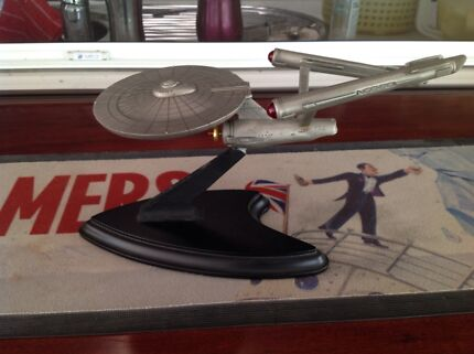 Franklin Ming Starship Enterprise with Cert. Of Authenticity.