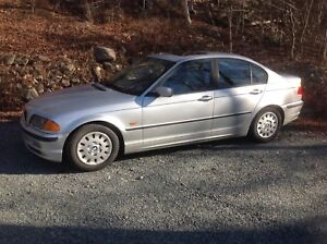 2000 BMW 323i (E46) sedan with sport package