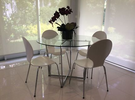 Freedom Dining Table And Chairs Pick Up 2066