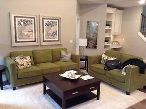 3pc living room set- Sofa/ love seat/'coffee table