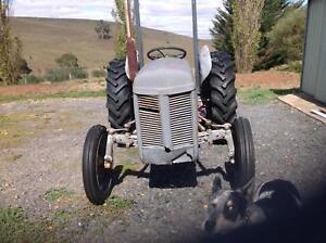 Tractor in bendigo region vic cars vehicles gumtree australia tractor in bendigo region vic cars vehicles gumtree australia free local classifieds fandeluxe Gallery