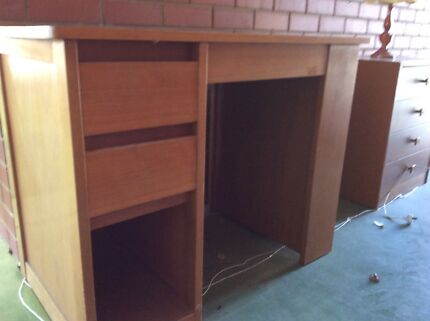 Small student Desk Inc side ; bookshelf