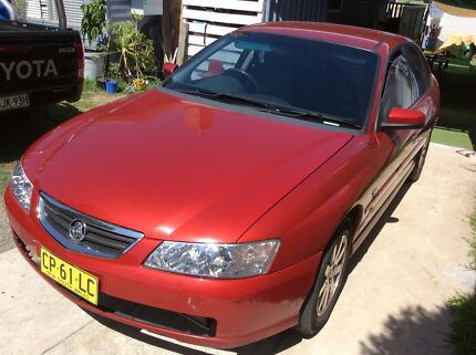Holden commodore Berlina, sedán FOR SALE
