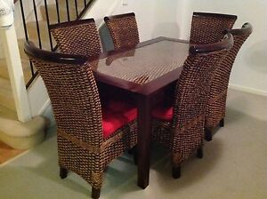 Dining Table & 6 chairs Ashmore Gold Coast City Preview