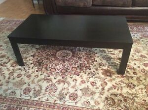 Coffe table,44 inch longth,and 22 inch width ,great conditions