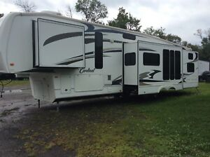 Fifth wheel cardinal 40 ft BH
