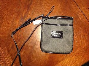 GUESS PURSE Cambridge Kitchener Area image 2
