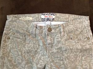"""Grey patterned skinny jeans size 4 with 29"""" inseam"""