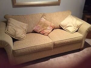 1 x 2 seater couch and 1 x 3 seater couch - Oz Design Furniture Parkdale Kingston Area Preview