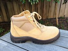 Suede camel coloured workman boot with steel toe caps sz 42 NEW Ashburton Boroondara Area Preview