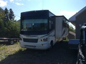 2013 Georgetown motor home 7537km