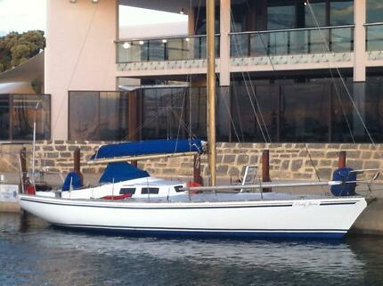 Yacht Swanson 36   (12 meter mooring also available)