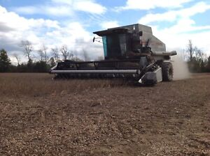 Gleaner R52 Combine with 20 foot flex head and 6 row corn head