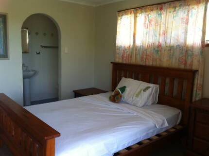 Ocean Valley view Bedroom for Rent Airlie Beach Whitsundays Area Preview