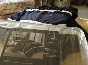 Queen Size Duvet cover and 2 matching shams