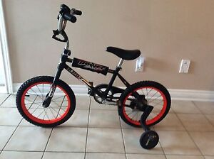 KENT FIRE POWER BICYCLE WITH TRAINING WHEELS