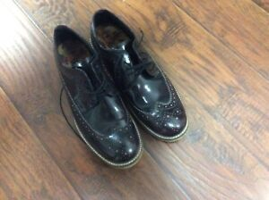 Mens Leather shoes.